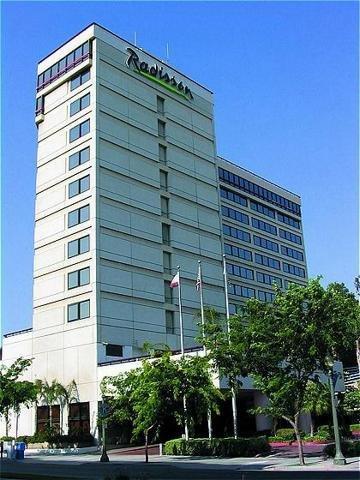 фото Radisson Hotel San Bernardino Convention Center 488212183