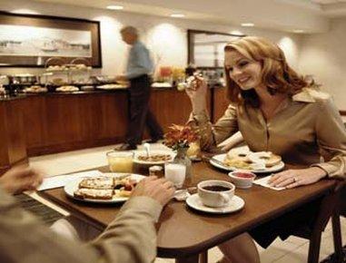 фото Holiday Inn Express W-Intercontinental 488213275