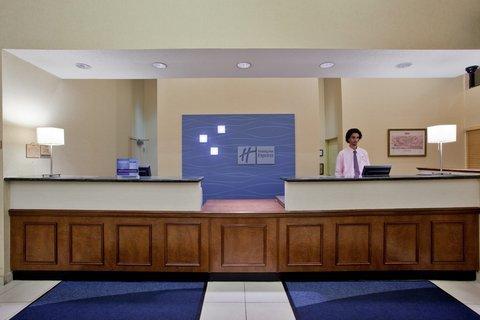 фото Holiday Inn Express Hotel & Suites Waynesboro-Route 340 488213375