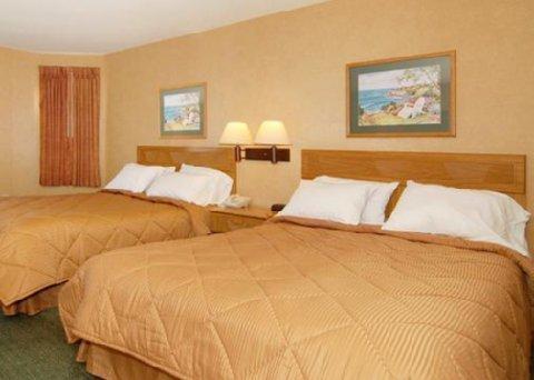 фото Comfort Inn Marina 488217199