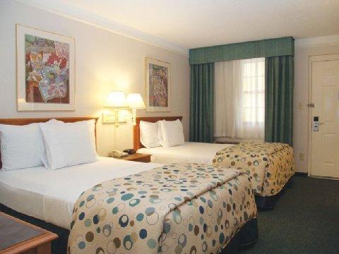 фото Ambassador Inn and Suites 488218076