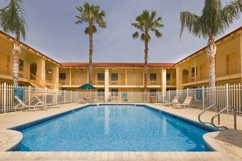 фото La Quinta Inn Victoria 488219457