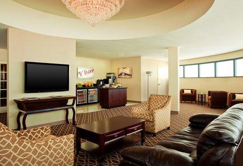 фото Sheraton Tampa East Hotel 488226761