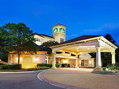 фото La Quinta Inn & Suites Raleigh Cary 488227167