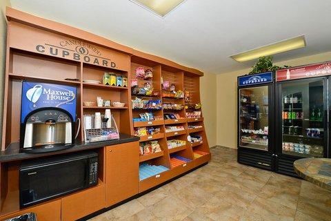 фото Candlewood Suites San Diego 488228479