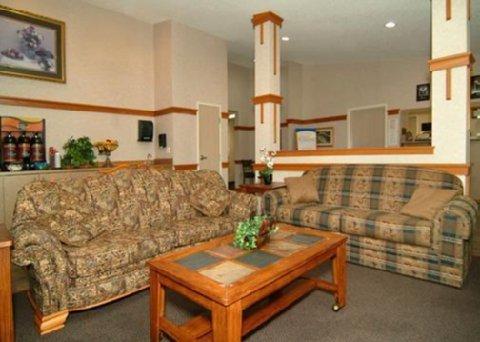 фото Comfort Inn Oskaloosa 488228596