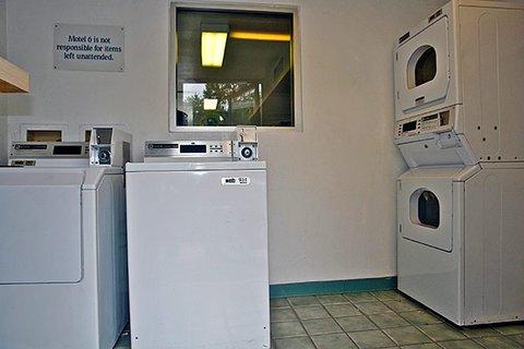фото Motel 6 Portland East Troutdale 488232515