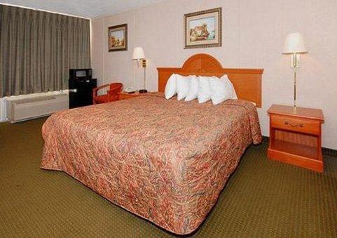 фото Rodeway Inn Newark 488234256