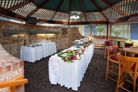 фото Holiday Inn Clarion 488235240