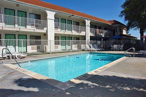 фото Motel 6 Pinole 488236165