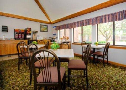 фото Comfort Inn Upper Sandusky 488236869