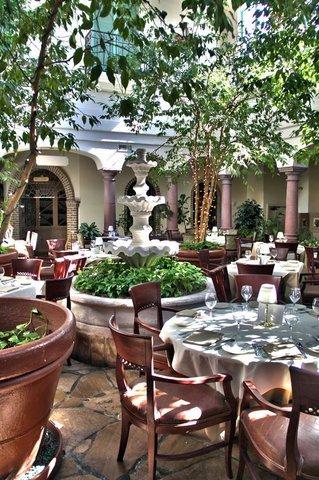 фото Embassy Suites Mandalay Beach - Hotel & Resort 488239676