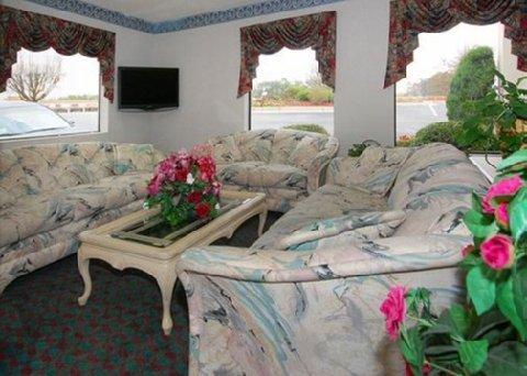 фото Quality Inn & Suites Stockbridge 488241305