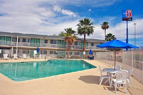 фото Motel 6 Tucson - Congress Street 488242918