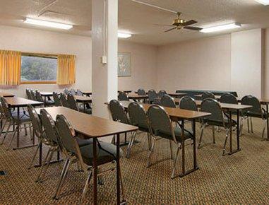 фото Days Inn St Joseph 488243243