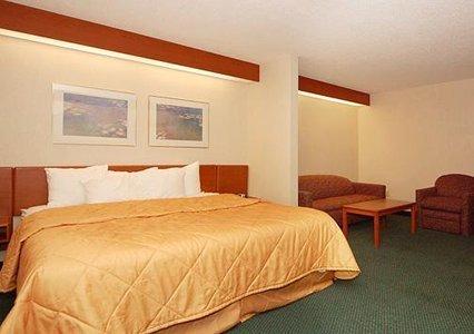 фото Sleep Inn & Suites 488244762