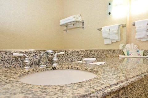 фото Best Western Cedar Inn & Suites 488245262