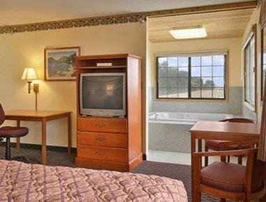 фото Quality Inn & Suites 488246360