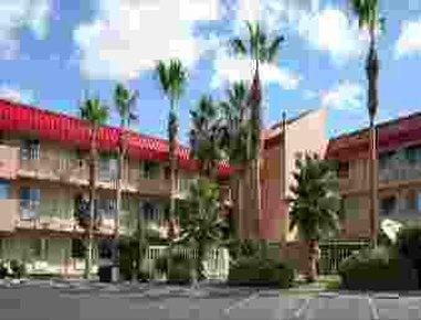 фото El Paso West Travelodge 488246605
