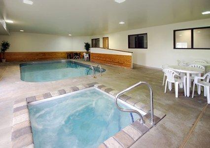 фото Quality Inn & Suites Watertown 488247465