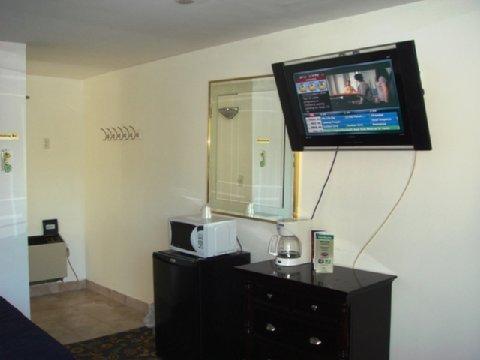 фото America`s Best Inn & Suites 488247749