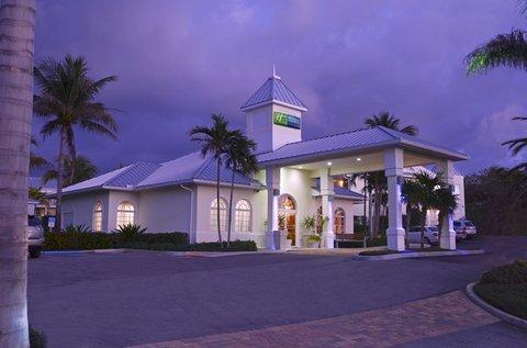 фото Holiday Inn Express North Palm 488249915