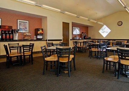 фото Comfort Inn And Suites Maingate 488254165