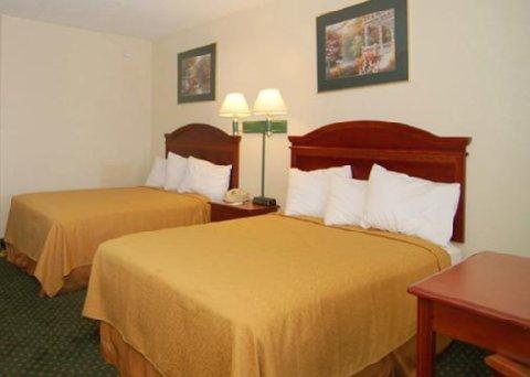 фото Scottish Inn Savannah 488257963