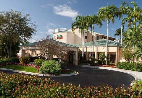 фото Courtyard Miami Lakes 488258086
