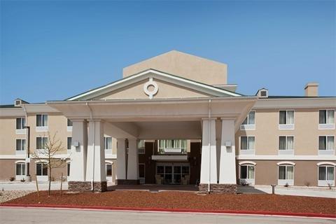 фото Holiday Inn Express Hotel & Suites Lamar 488258343
