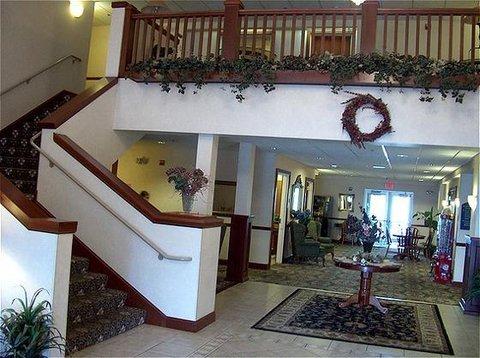 фото The Plaza Hotel & Suites Winona 488259329