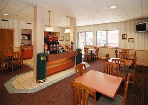 фото Comfort Inn Grundy 488260337
