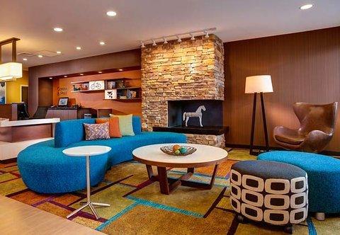 фото Fairfield Inn and Suites Hutchinson 488262504