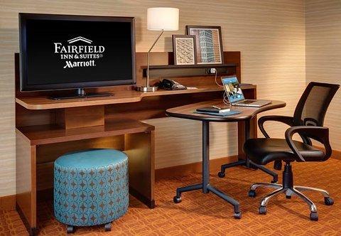 фото Fairfield Inn and Suites Hutchinson 488262511