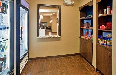 фото Hampton Inn and Suites St. Cloud 488265036