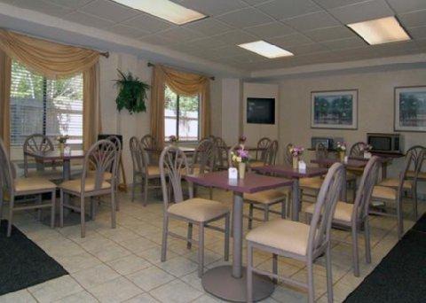 фото Sleep Inn and Suites - Chesapeake 488268348