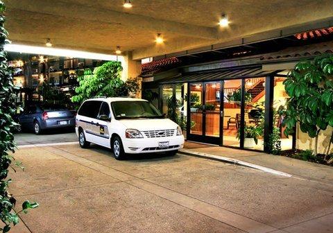 фото Best Western PLUS Executive Inn 488268934
