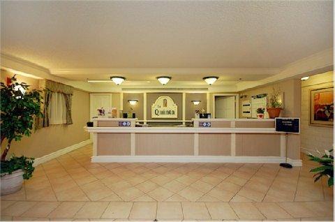 фото La Quinta Inn San Diego Vista 488269443