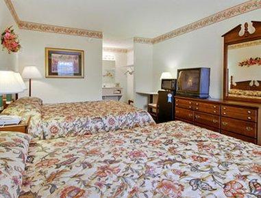 фото Days Inn & Suites Pine Mountain-Maingate N Of Callaway Garde 488273318
