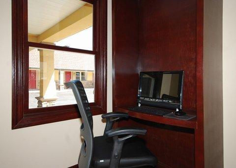 фото Econo Lodge Newton 488274206