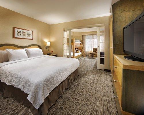 фото Anaheim Portofino Inn and Suites 488274309