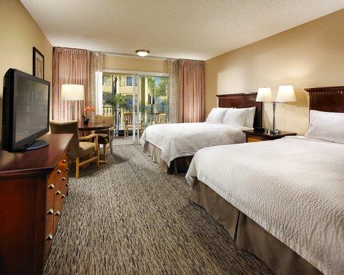 фото Anaheim Portofino Inn and Suites 488274312