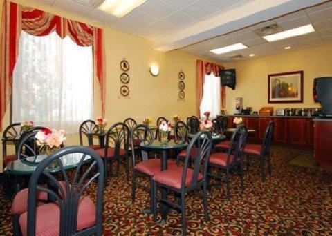 фото Comfort Inn Columbus 488274475