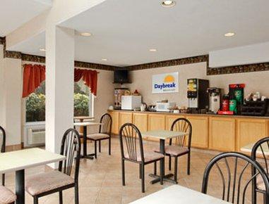 фото Groton Inn & Suites 488279921