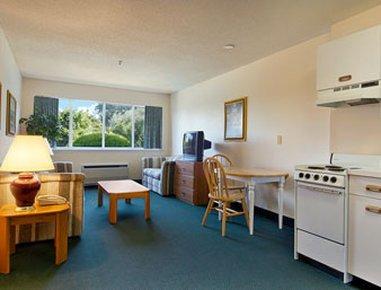 фото Groton Inn & Suites 488279924