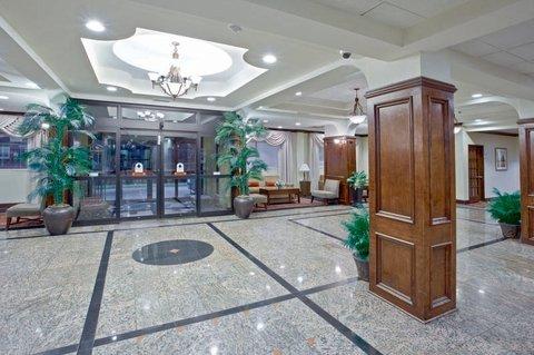 фото La Quinta Inn & Suites Downtown Conference Center 488281312