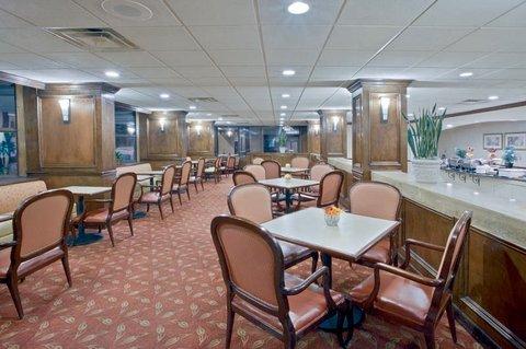 фото La Quinta Inn & Suites Downtown Conference Center 488281320