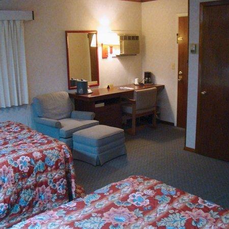 фото Longvue Inn And Suites Wellsvi 488281460