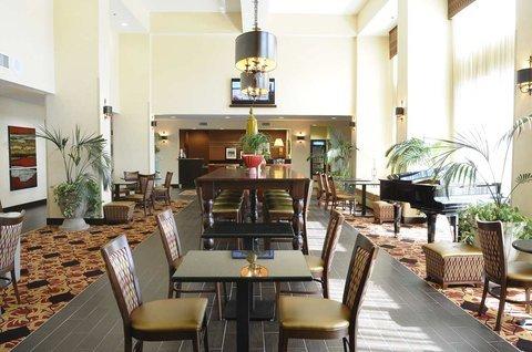фото Hampton Inn & Suites Redding 488283510