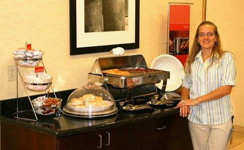 фото Hampton Inn & Suites Cape Coral 488285257